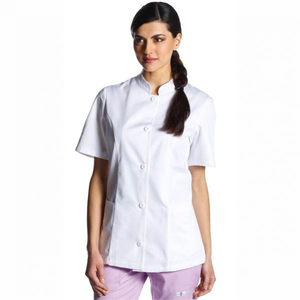 Casacca estetista-odette-camice-bianco-studio-dentistico