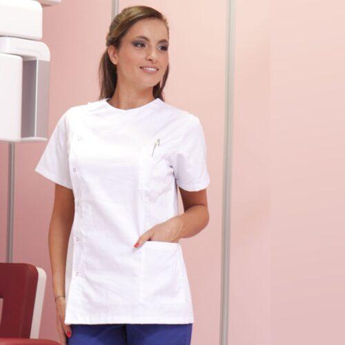 dafne-casacca-assistente-alla-poltrona-studio-medico-dentistico