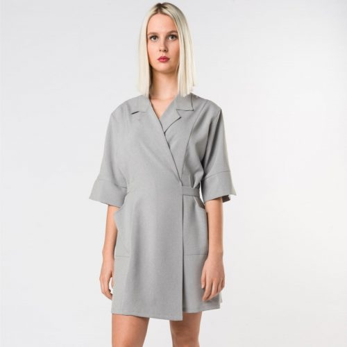 униформа-косметолога-emy-giacca-grigia-antimacchia-parrucchieri-roma-westrose-min