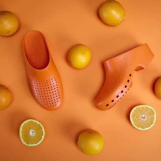 zoccoli-sanitari-calzuro-arancione
