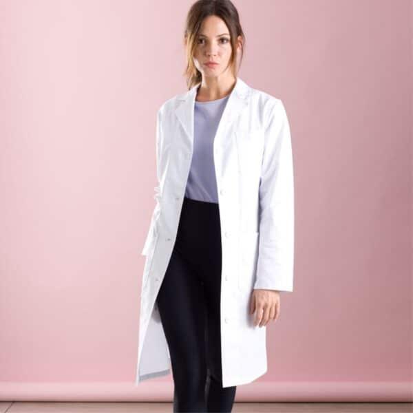 kuna-medical-appareal-white-coat-min