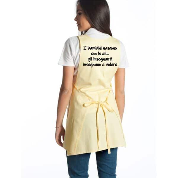 regalo-maestra-grembiule-giallo-retro
